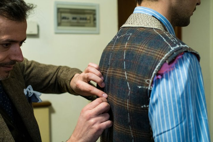 essayage-pino-peluso-veste-bespoke-laine-cashmere