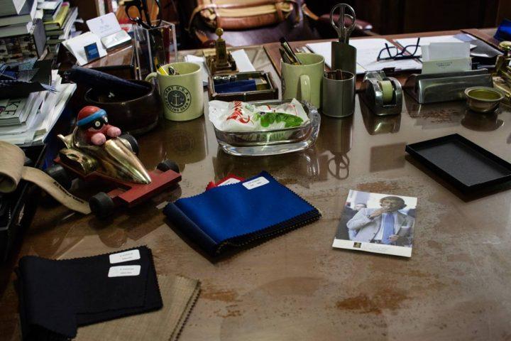 Bureau de la boutique de vêtements pour homme Al Bazar de Lino Ieluzzi à Milan.