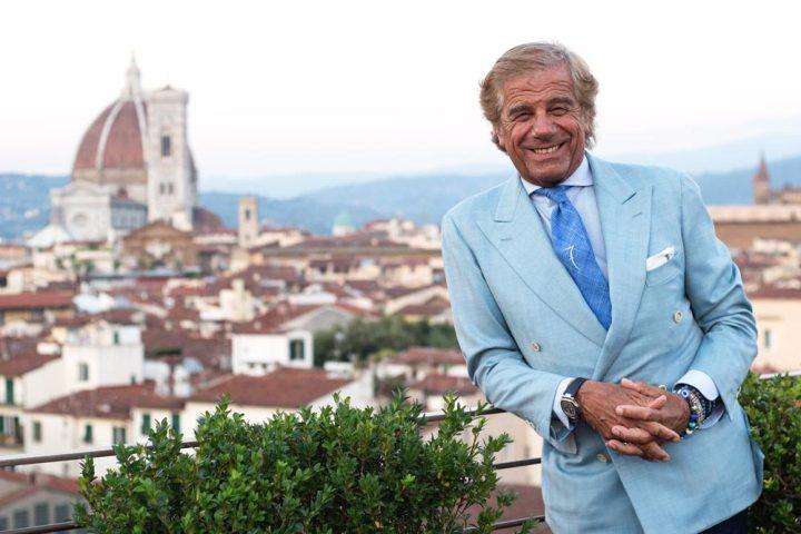 Lino Ieluzzi de la boutique masculine à Milan AL Bazar sur la terrasse du Palace Excelsior à Florence durant le Pitti Uomo.