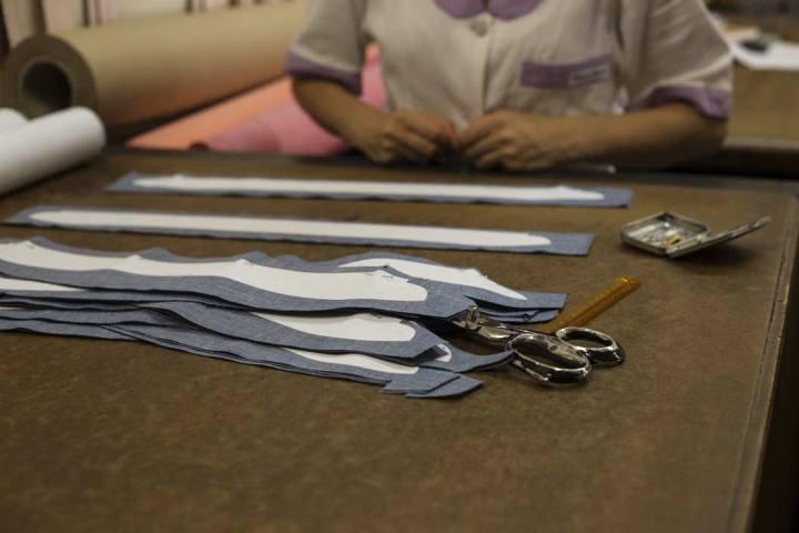 Patrons de cols de chemises chez Avino Laboratorio Napoletano