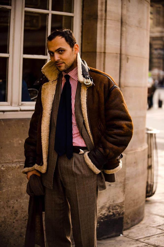 Stéphane Butticé en costume prince de galles, peaux lainée et chemise sartoriale Avino Laboratorio Napoletano.