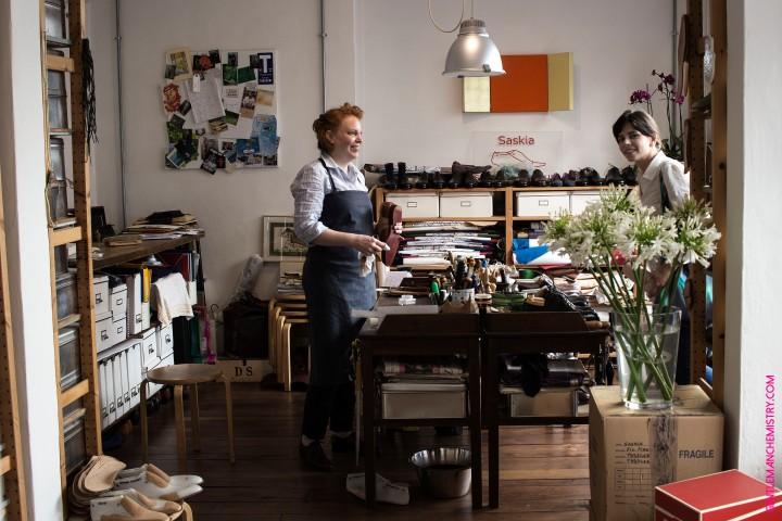 Vivian & assistente copie