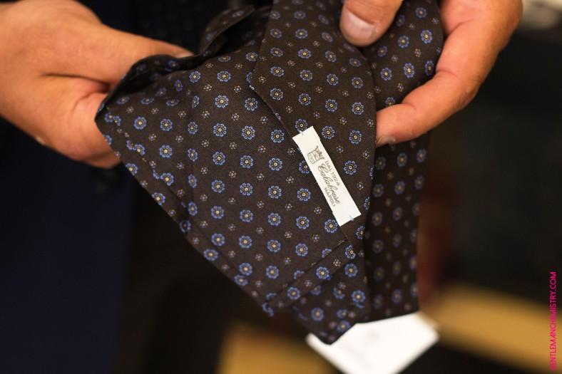cravatta marrone calabrese copie
