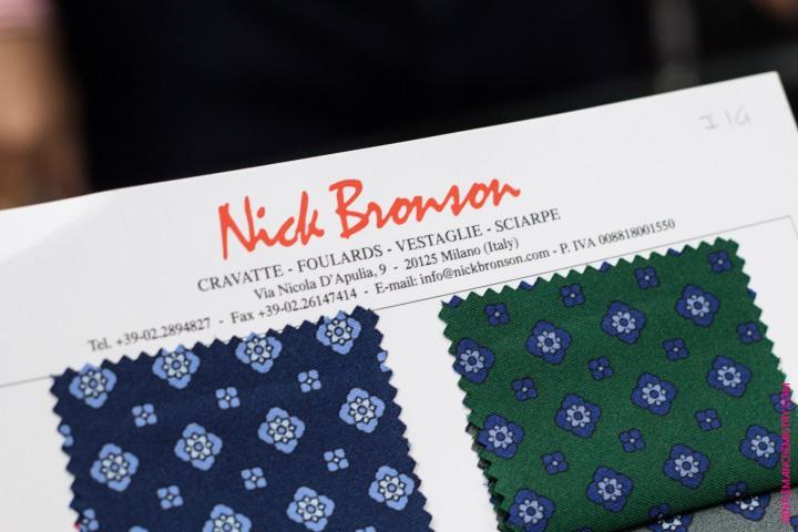 Nick Bronson, Le Roi de la cravate tricot en maille desoie