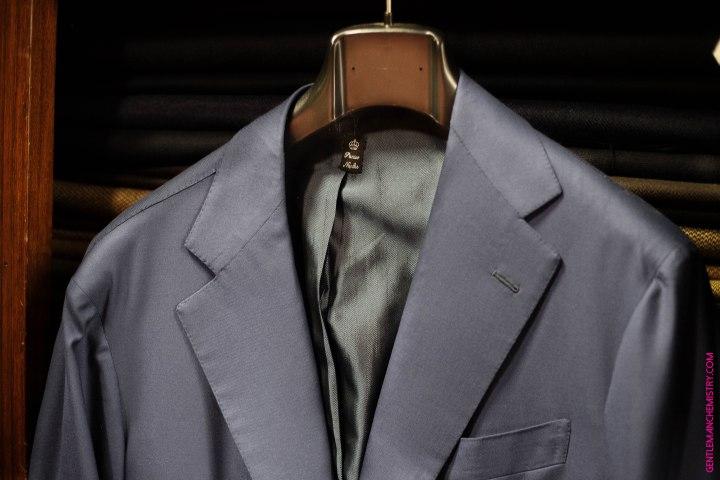 giacca e etichetta sartoria panico copie