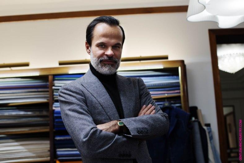 Lorenzo Cifonelli ritratto tessuti con orologio