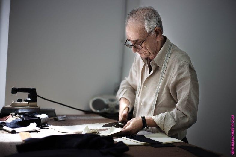 Antonio Ambrosi al taglio copie