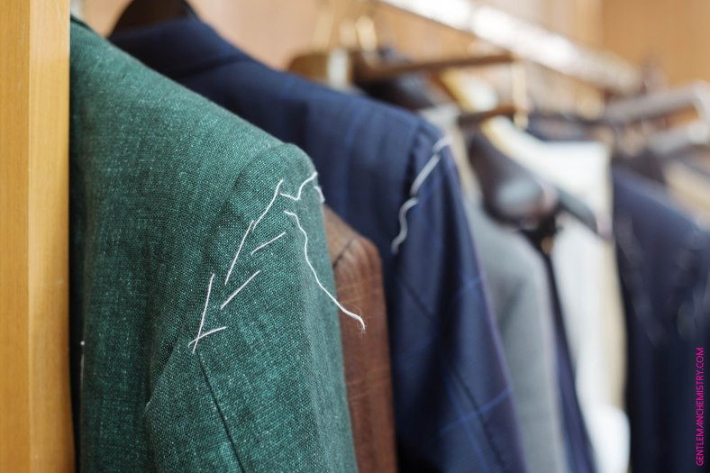 green jacket shoulder copie