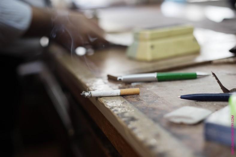rituale o strumenti di lavoro sigaretta copie